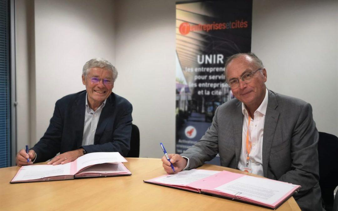 Entreprises & Cités et l'EPICC de Roubaix signent leur convention de mécénat.